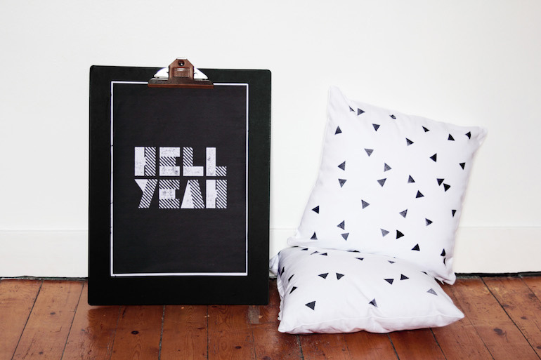 diy un coussin imprim g om trique h ll blogzine. Black Bedroom Furniture Sets. Home Design Ideas