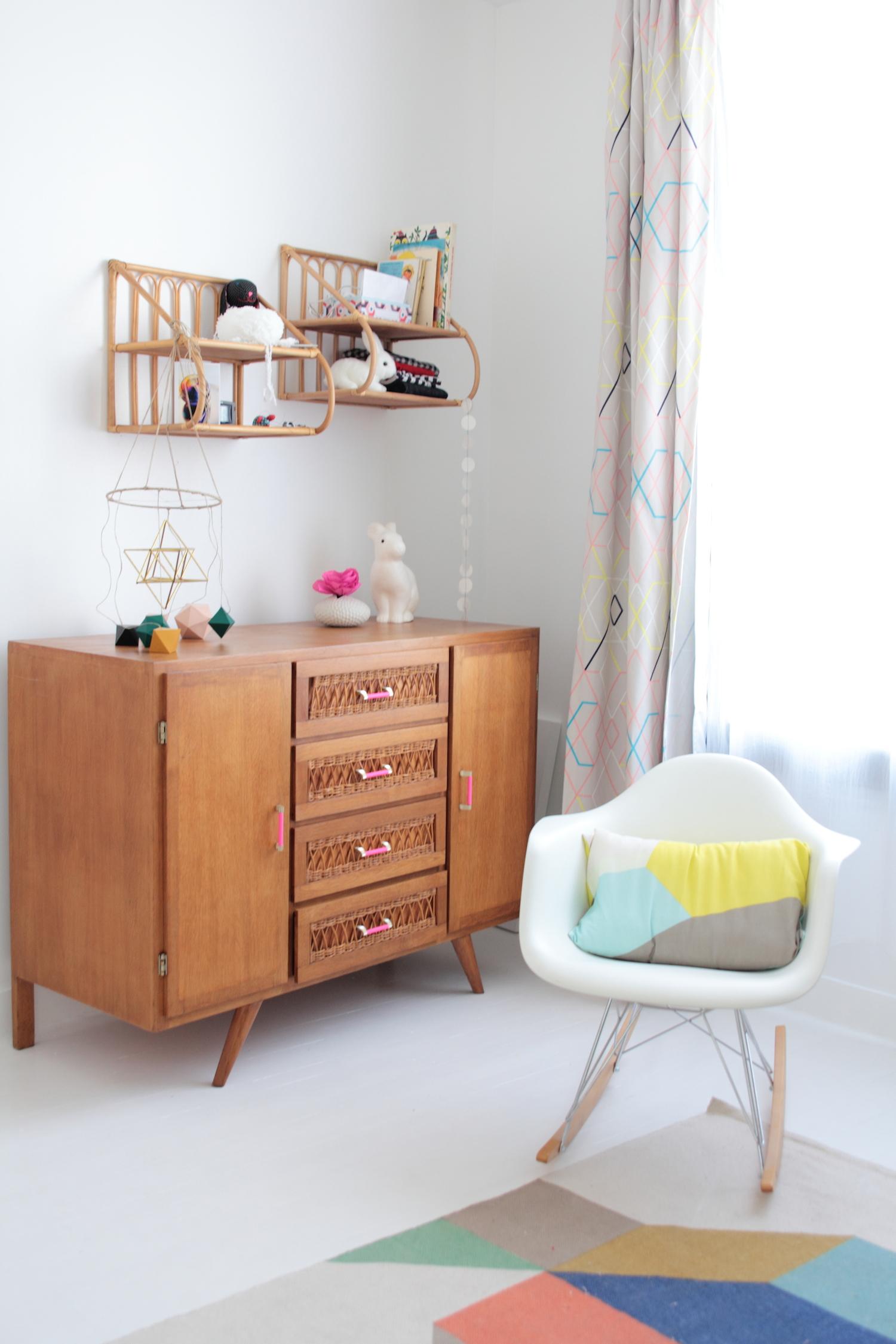home tour laetitia vert cerise h ll blogzine h ll blogzine. Black Bedroom Furniture Sets. Home Design Ideas