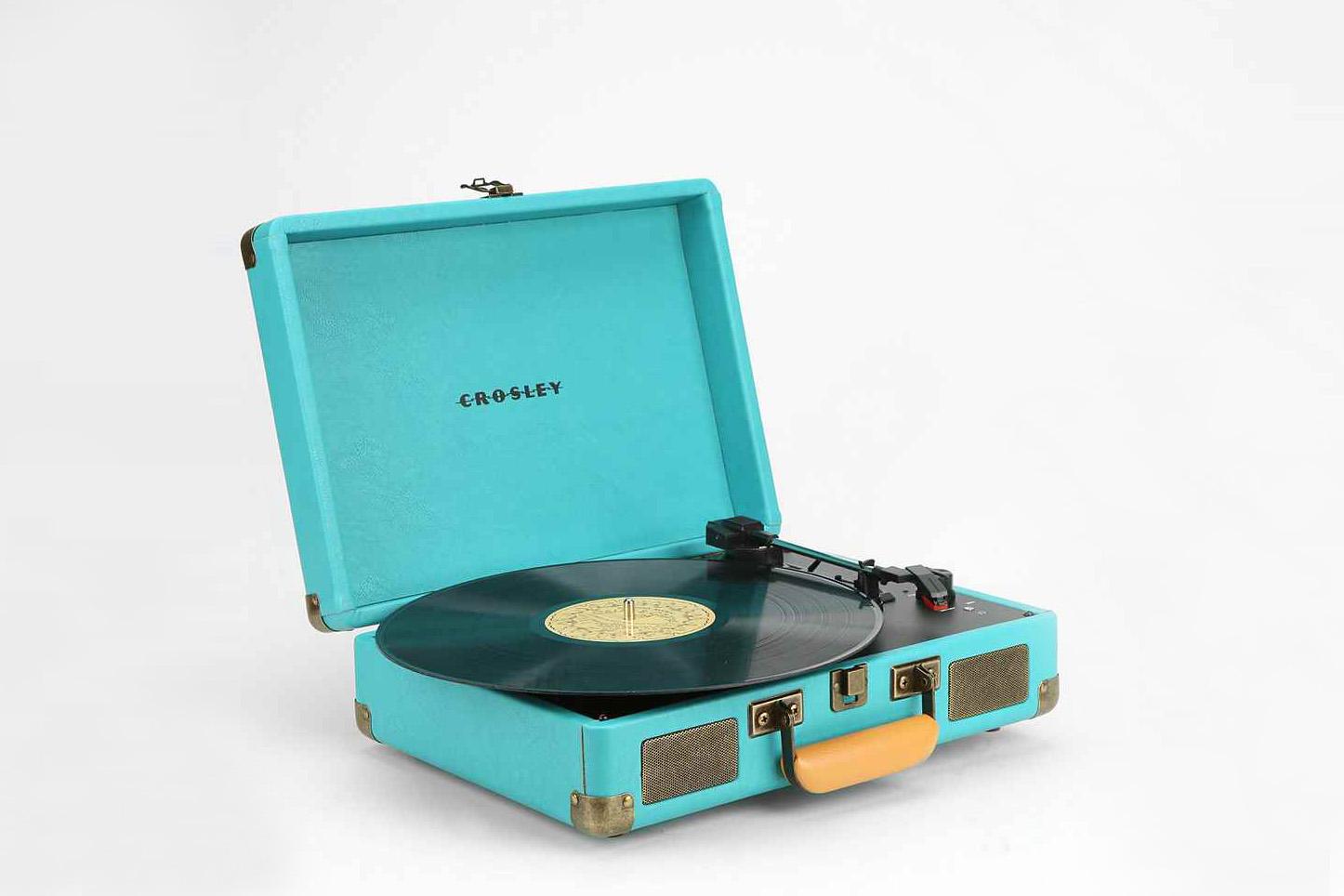 on craque pour la platine vintage vinyle crosley. Black Bedroom Furniture Sets. Home Design Ideas