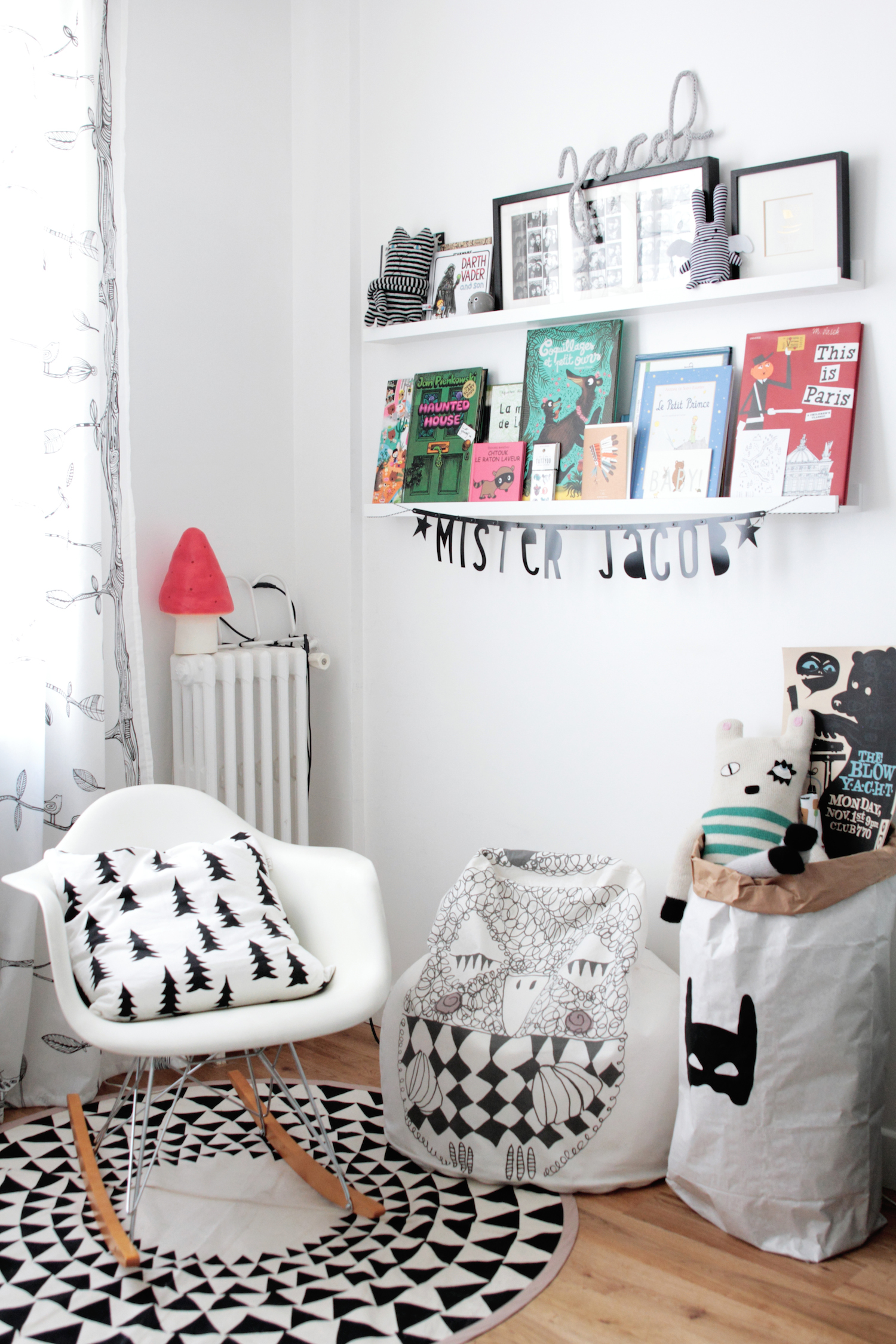 chambre enfant scandinave noir et blanc 2326 h ll blogzine. Black Bedroom Furniture Sets. Home Design Ideas