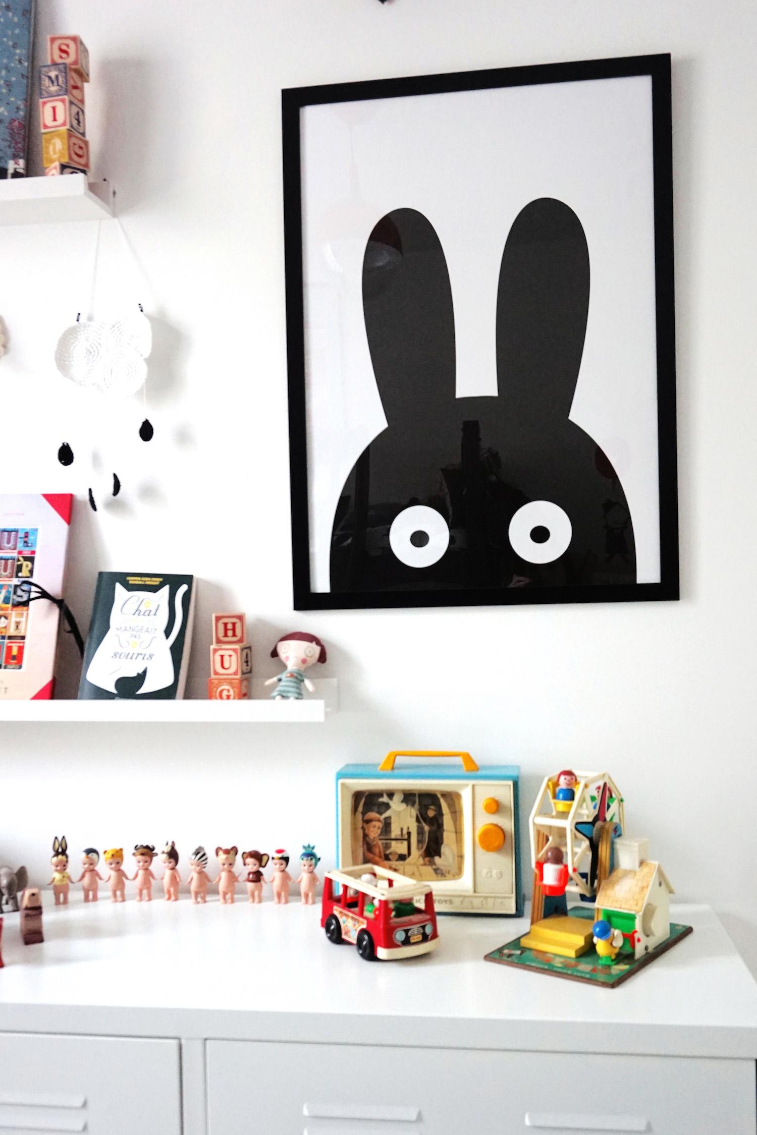 chambre enfant noir et blanc pom hello blogzine 9 h ll blogzine. Black Bedroom Furniture Sets. Home Design Ideas