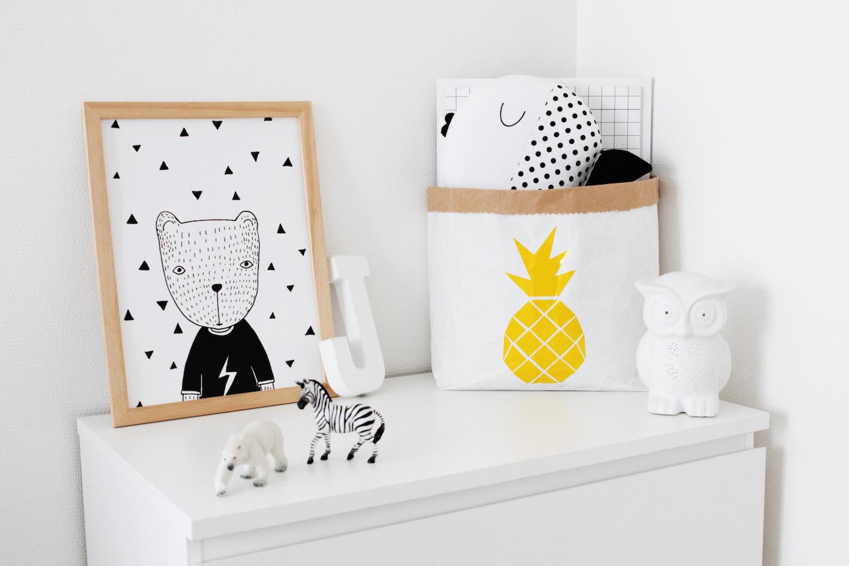 home tour video l 39 univers minimaliste d 39 audrey aka mon. Black Bedroom Furniture Sets. Home Design Ideas