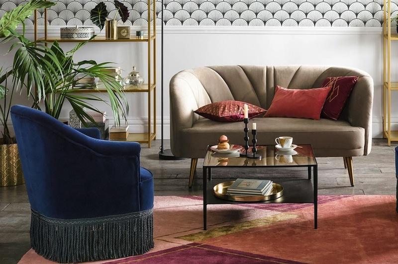 une jolie banquette canap en velours style r tro vintage. Black Bedroom Furniture Sets. Home Design Ideas