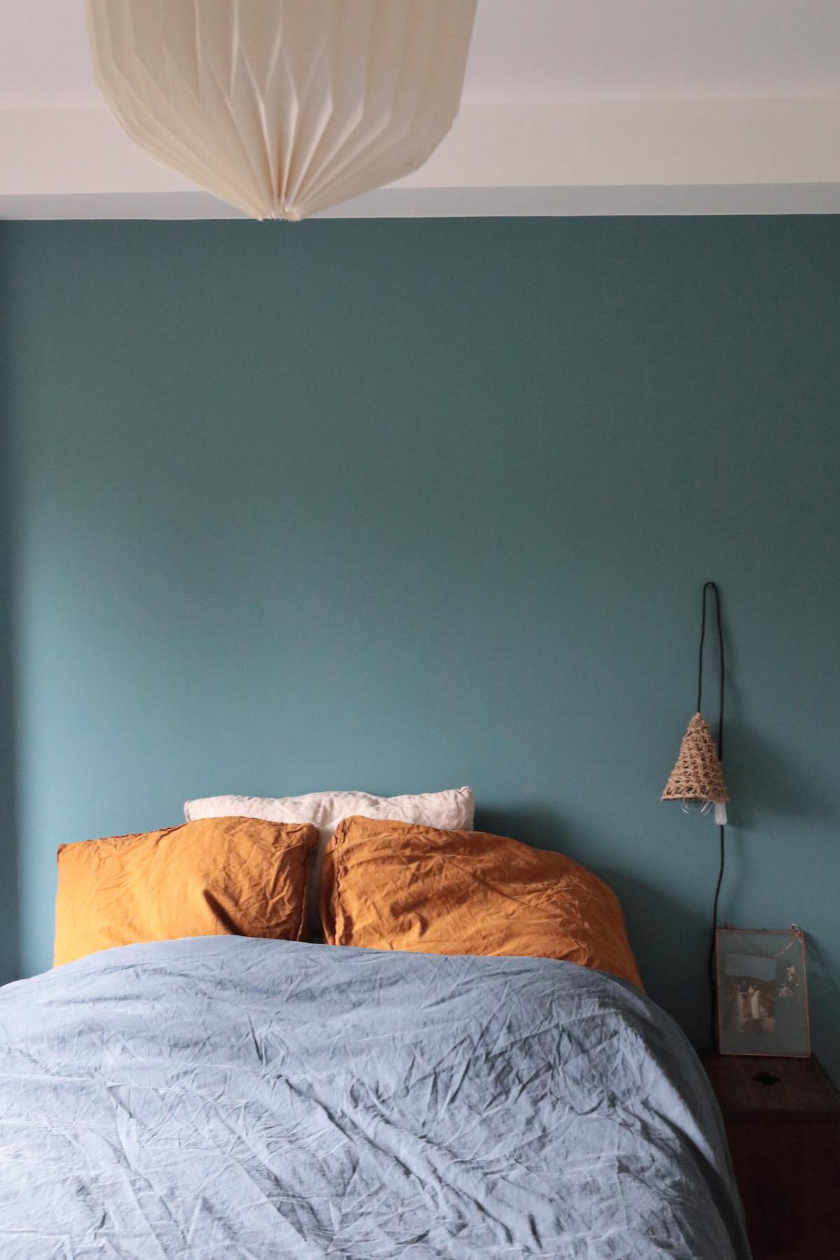 une d co scandinave et vintage dans un loft parisien. Black Bedroom Furniture Sets. Home Design Ideas